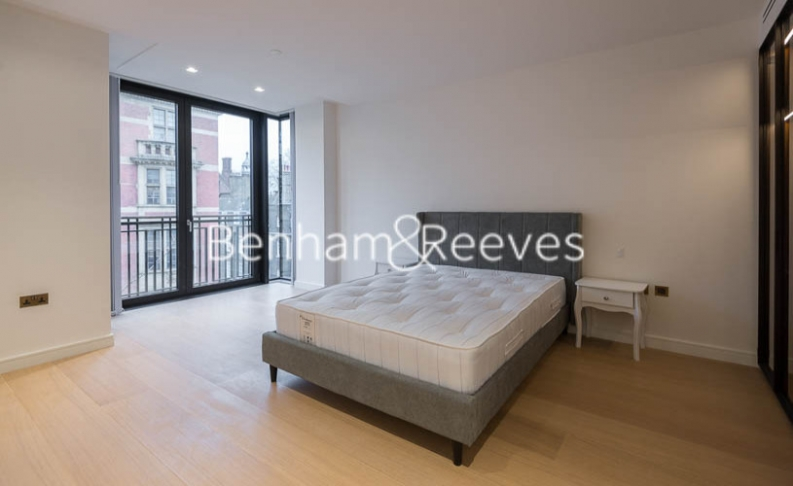 2 bedroom(s) flat to rent in Lincoln Square, Portugal Street, WC2A-image 3