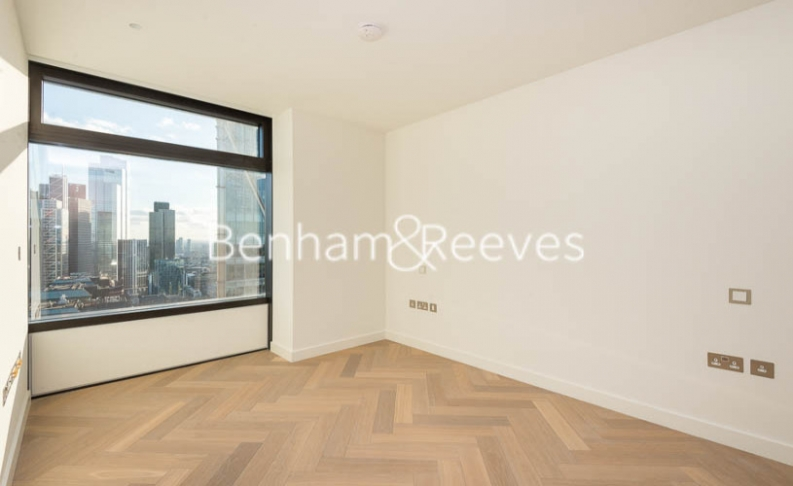 3 bedroom(s) flat to rent in Principal Tower, City, EC2A-image 9