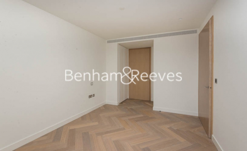 3 bedroom(s) flat to rent in Principal Tower, City, EC2A-image 15
