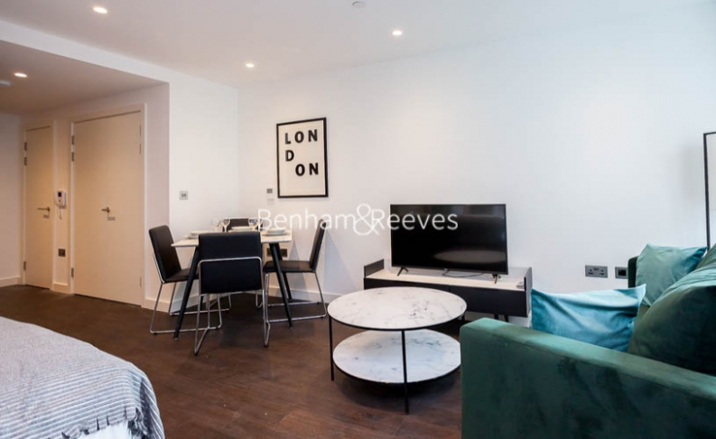 Studio flat to rent in Sage Building, Royal Mint Street, E1-image 3