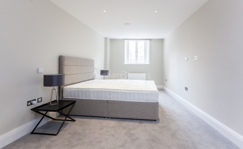 3 bedroom(s) flat to rent in Bell Yard, City, WC2A-image 8