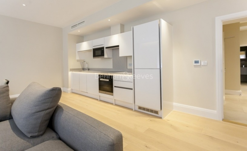 3 bedroom(s) flat to rent in Bell Yard, City, WC2A-image 3