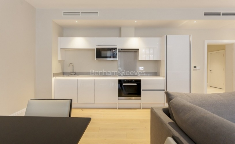 3 bedroom(s) flat to rent in Bell Yard, City, WC2A-image 4