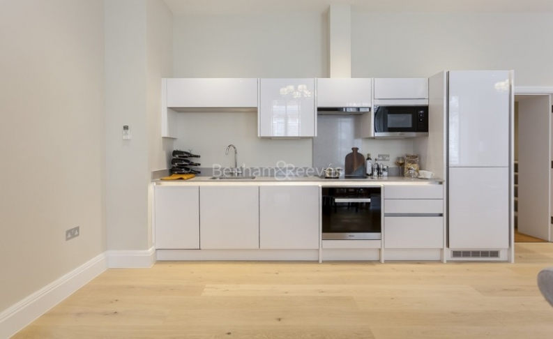 2 bedroom(s) flat to rent in Bell Yard, City, WC2A-image 2