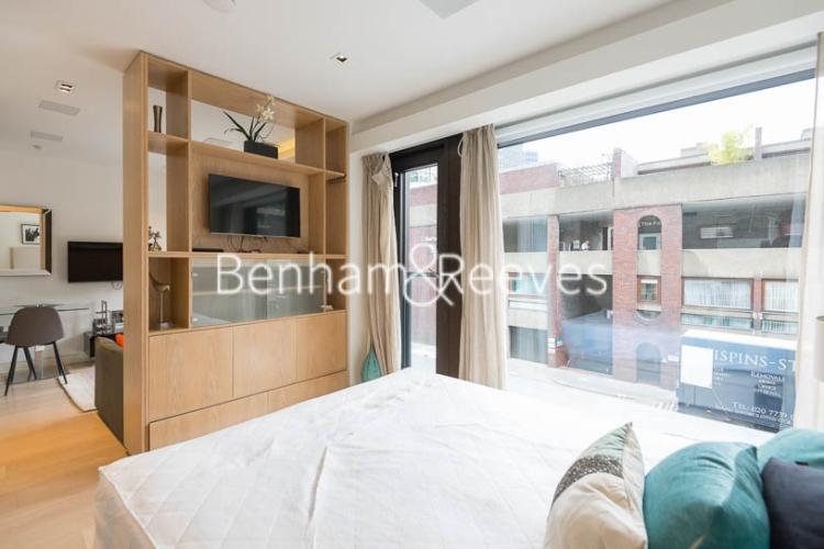 Studio flat to rent in Roman House, City, EC2Y-image 3