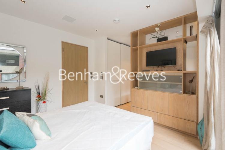 Studio flat to rent in Roman House, City, EC2Y-image 8