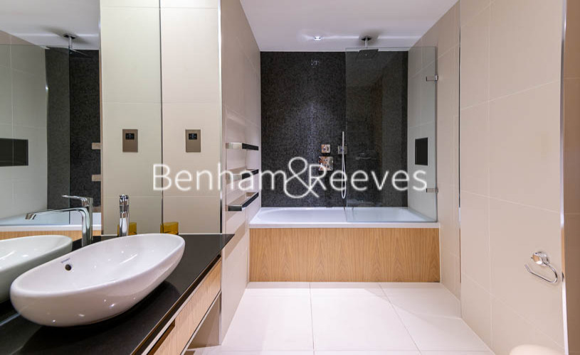 2 bedroom(s) flat to rent in Roman House, Barbican, EC2Y-image 5