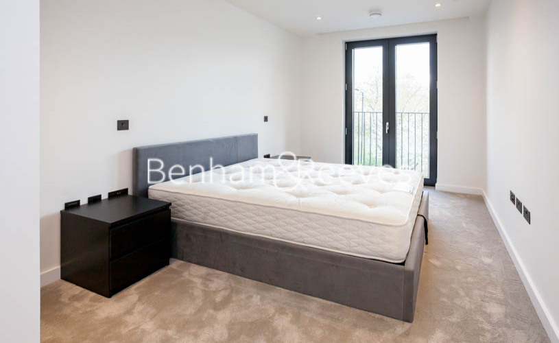 1 bedroom(s) flat to rent in The Denizen, Clarendon Court, EC1Y-image 3