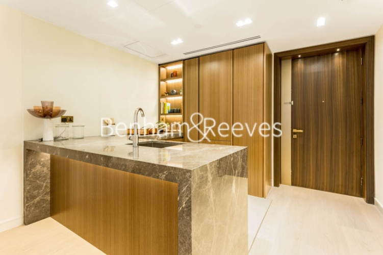 1 bedroom(s) flat to rent in Lincoln Square, 18 Portugal Street, WC2A-image 2