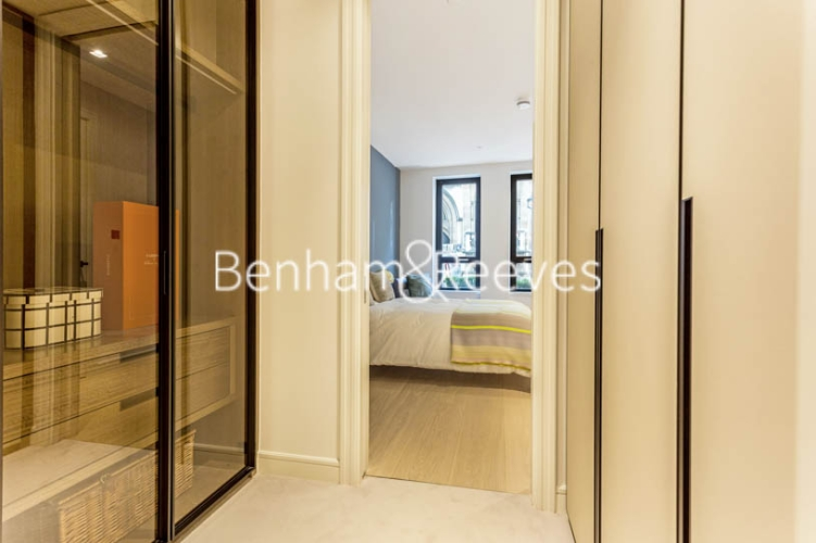 1 bedroom(s) flat to rent in Lincoln Square, 18 Portugal Street, WC2A-image 17