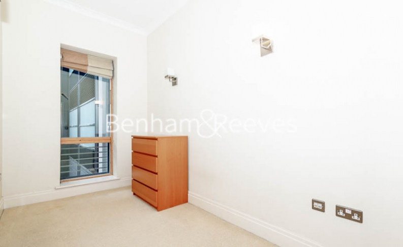 2 bedroom(s) flat to rent in Temple House, Temple Avenue, EC4Y-image 11