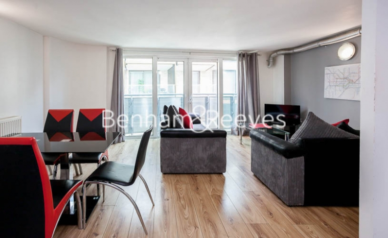 2 bedroom(s) flat to rent in Macclesfield Road, Finsbury, EC1V-image 1
