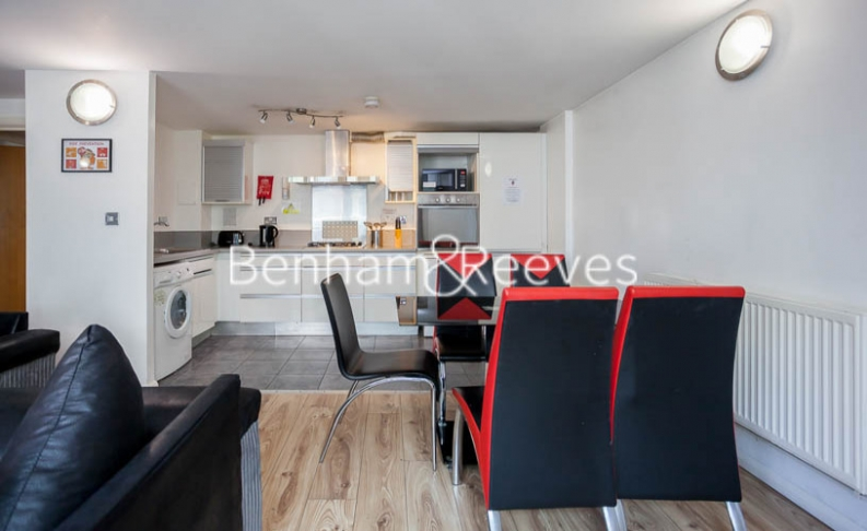 2 bedroom(s) flat to rent in Macclesfield Road, Finsbury, EC1V-image 2