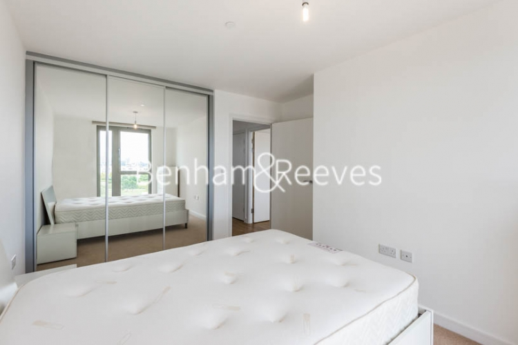 Studio flat to rent in Tarragon Court, Ilford, IG1-image 3