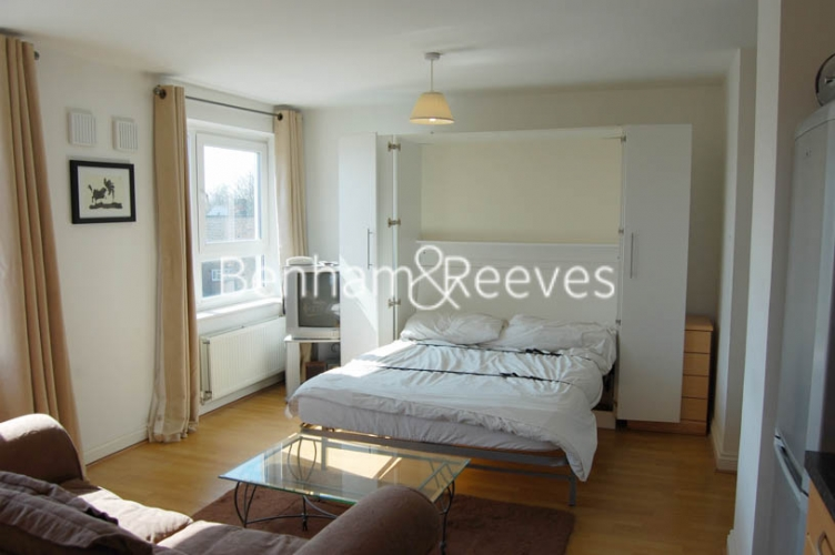 Studio flat to rent in Tarragon Court, Ilford, IG1-image 4