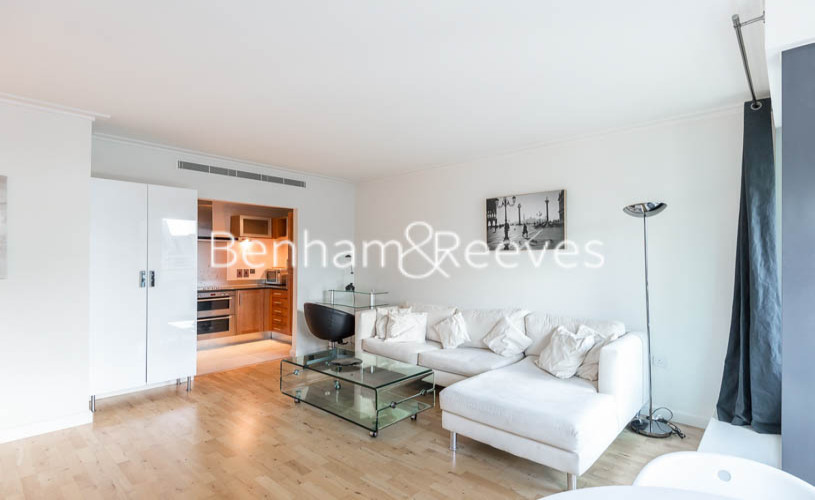 2 bedroom(s) flat to rent in Discovery Dock East, Canary Wharf, E14-image 1