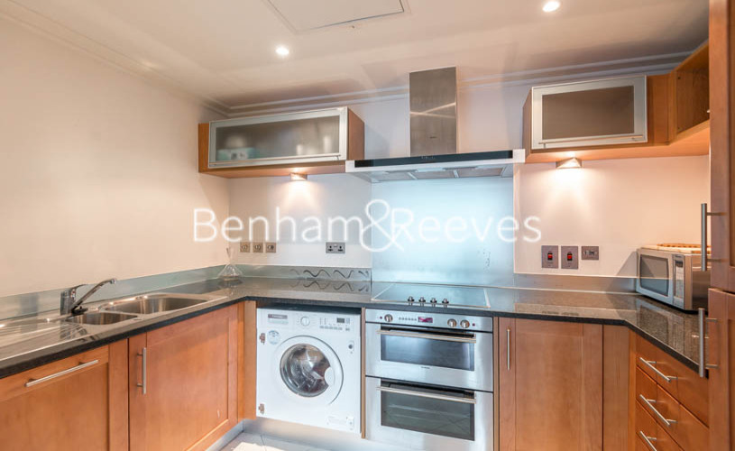 2 bedroom(s) flat to rent in Discovery Dock East, Canary Wharf, E14-image 2