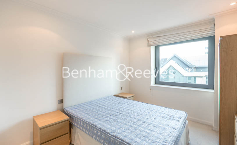 2 bedroom(s) flat to rent in Discovery Dock East, Canary Wharf, E14-image 3