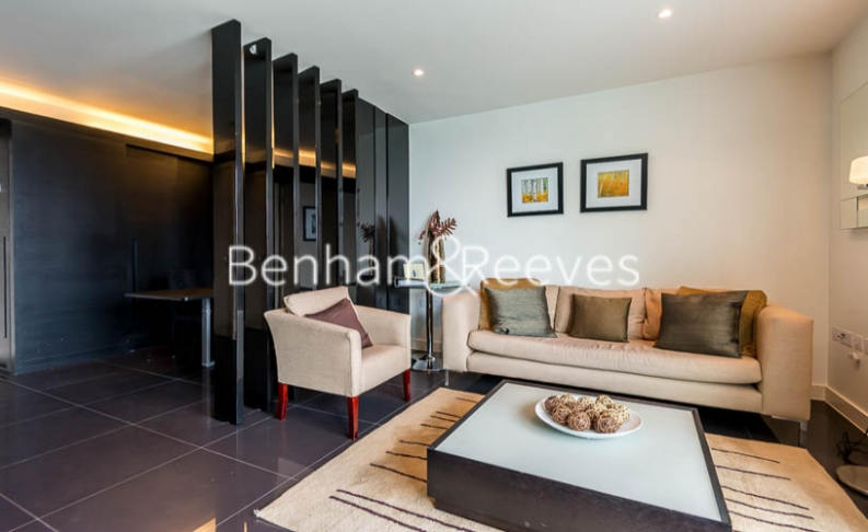 Studio flat to rent in Pan Peninsula Square, Canary Wharf, E14-image 1