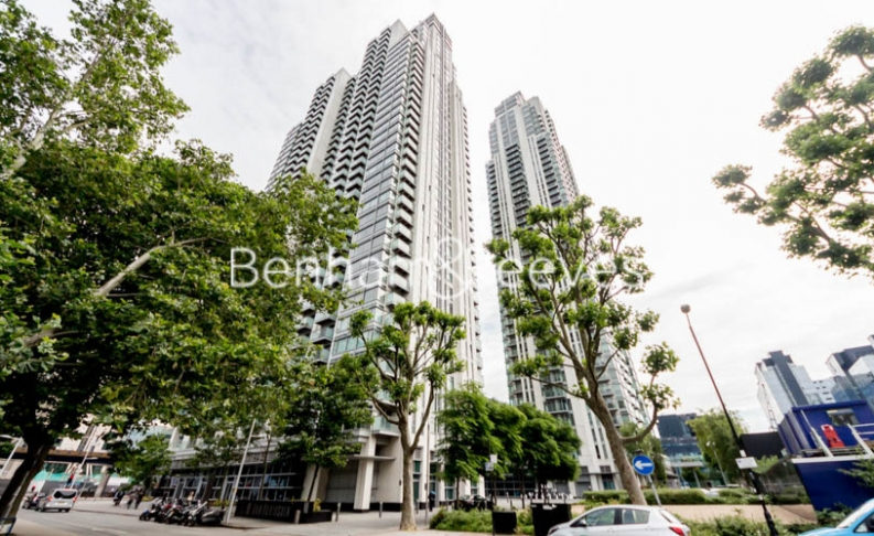 Studio flat to rent in Pan Peninsula Square, Canary Wharf, E14-image 4