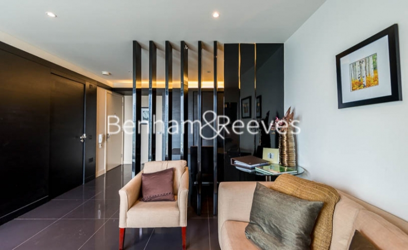 Studio flat to rent in Pan Peninsula Square, Canary Wharf, E14-image 5
