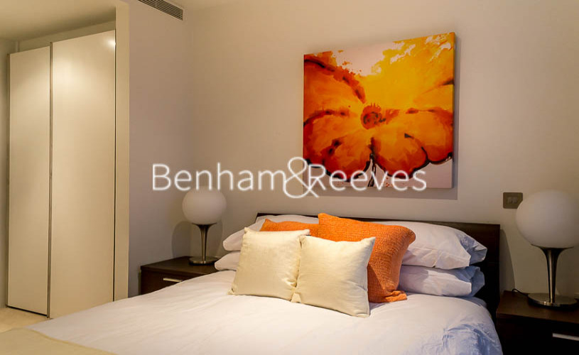 2 bedroom(s) flat to rent in Pan Peninsula Square, Canary Wharf, E14-image 3