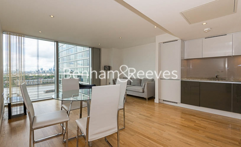 1 bedroom(s) flat to rent in Landmark East, Canary Wharf, E14-image 3