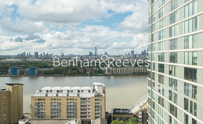 1 bedroom(s) flat to rent in Landmark East, Canary Wharf, E14-image 12