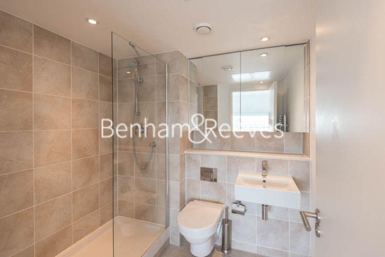 2 bedroom(s) flat to rent in Landmark East, Marsh Wall, E14-image 4