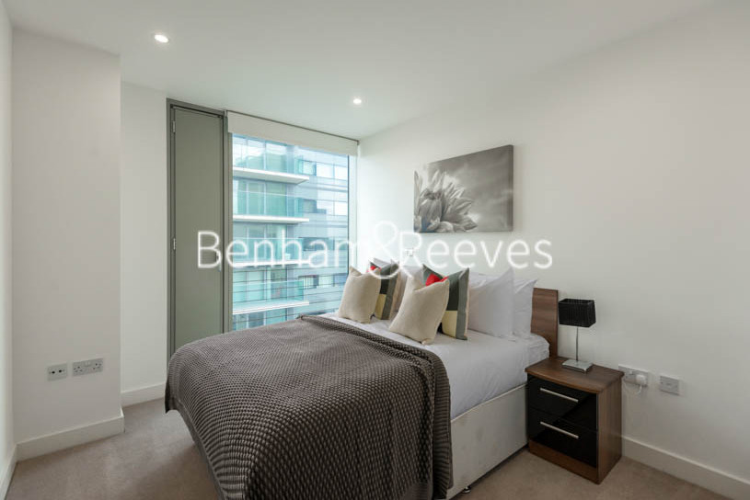 2 bedroom(s) flat to rent in Landmark East, Marsh Wall, E14-image 5