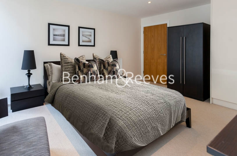 1 bedroom(s) flat to rent in Cobalt Point, Canary Wharf, E14-image 9