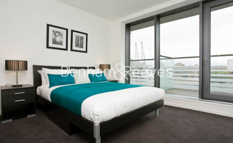 1 bedroom(s) flat to rent in Baltimore Wharf, Oakland Quay, E14-image 4