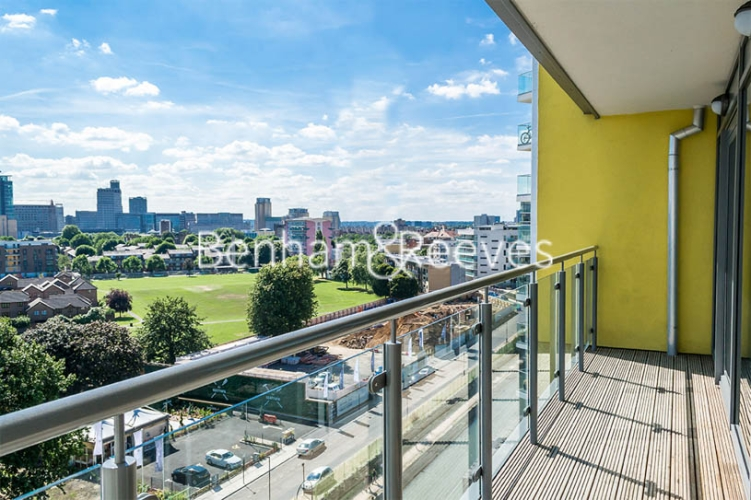 2 bedroom(s) flat to rent in Aqua Vista Square, Canary Wharf, E3-image 5