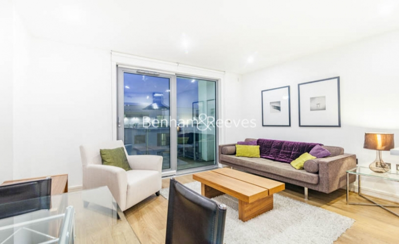 1 bedroom(s) flat to rent in Diprose Court, Canary Wharf, E3-image 1