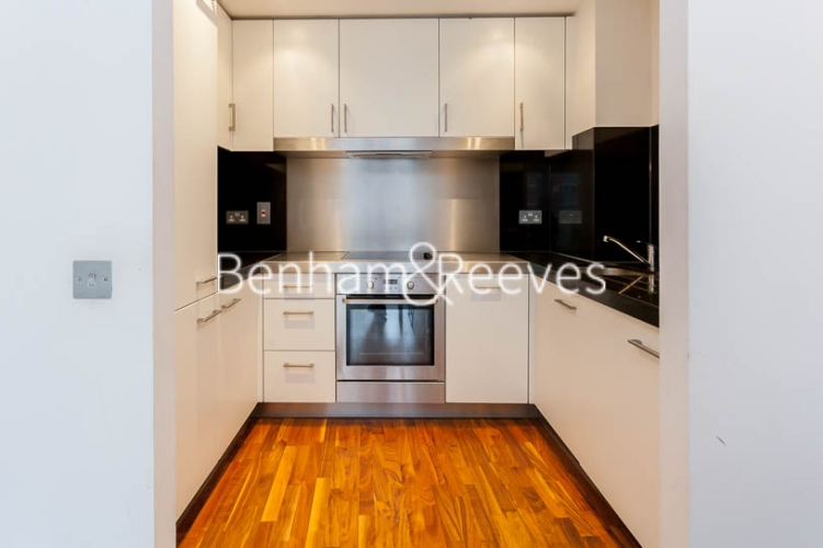 1 bedroom(s) flat to rent in New Providence Wharf, Canary Wharf, E14-image 2