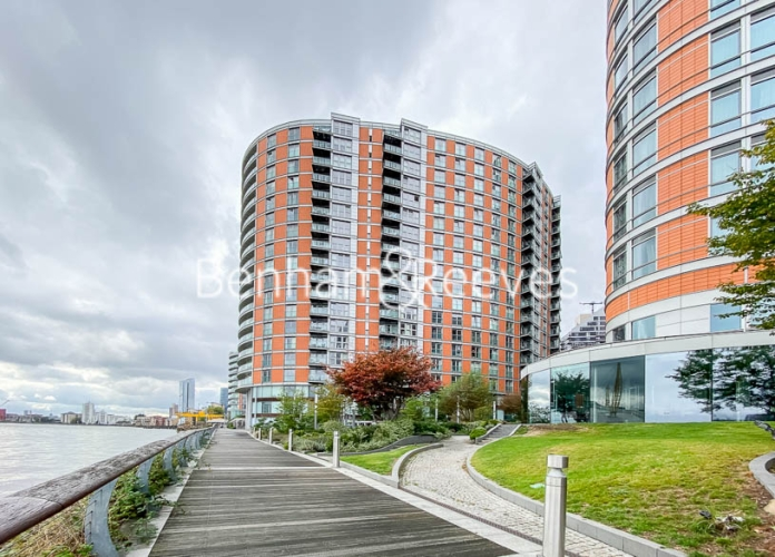 1 bedroom(s) flat to rent in New Providence Wharf, Canary Wharf, E14-image 6