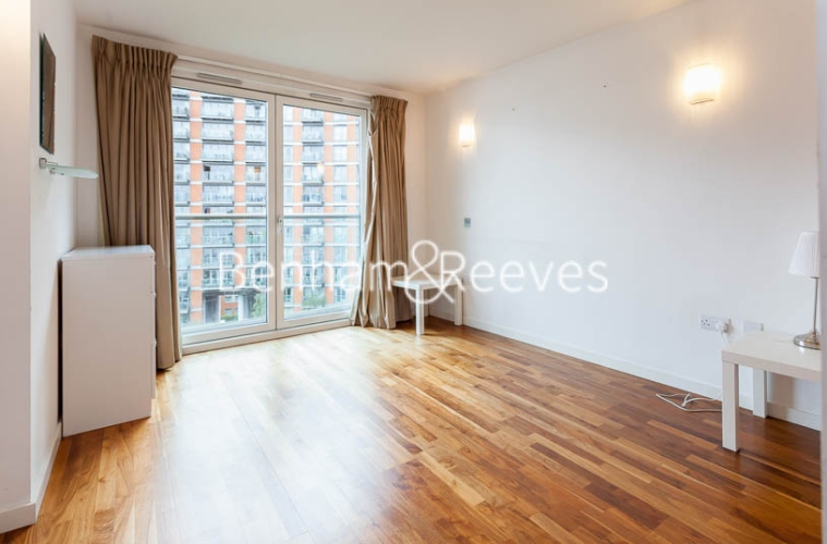 1 bedroom(s) flat to rent in New Providence Wharf, Canary Wharf, E14-image 8
