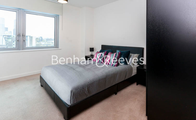 1 bedroom(s) flat to rent in Ross Way, Langdon Park, E14-image 3