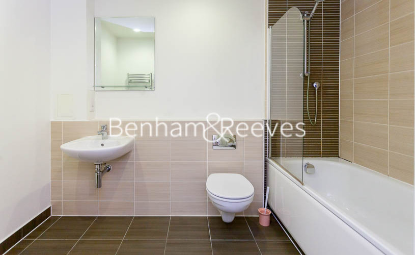 1 bedroom(s) flat to rent in Ross Way, Langdon Park, E14-image 4