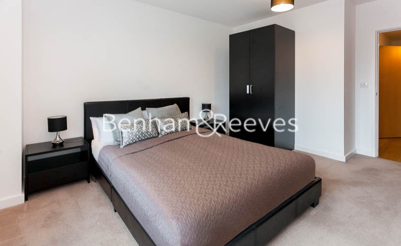 1 bedroom(s) flat to rent in Ross Way, Langdon Park, E14-image 9