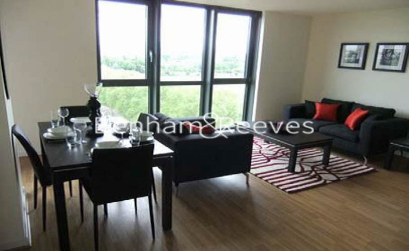 1 bedroom(s) house to rent in Matchamkers Wharf, Canary Wharf E9-image 1