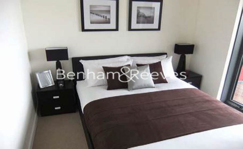 1 bedroom(s) house to rent in Matchamkers Wharf, Canary Wharf E9-image 3