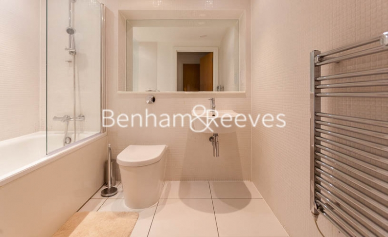 1 bedroom(s) flat to rent in Millharbour, South Quay, E14-image 4