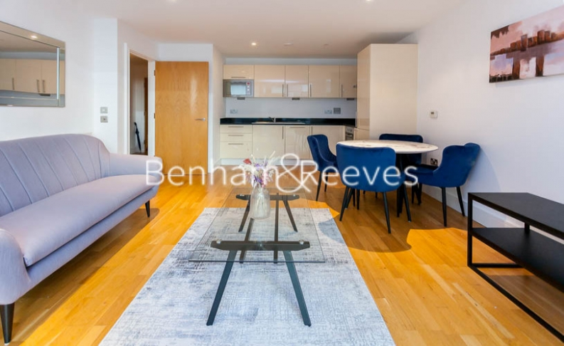 1 bedroom(s) flat to rent in Millharbour, South Quay, E14-image 5