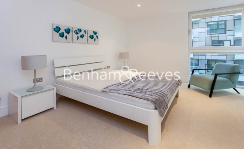 1 bedroom(s) flat to rent in Millharbour, South Quay, E14-image 6