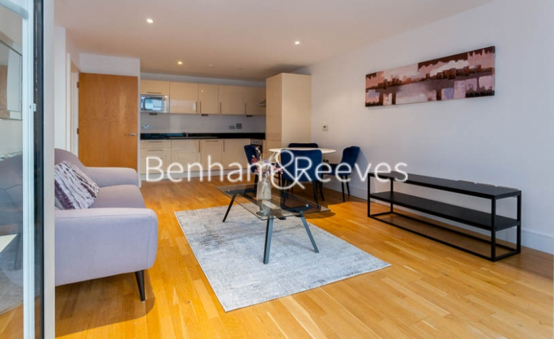 1 bedroom(s) flat to rent in Millharbour, South Quay, E14-image 10