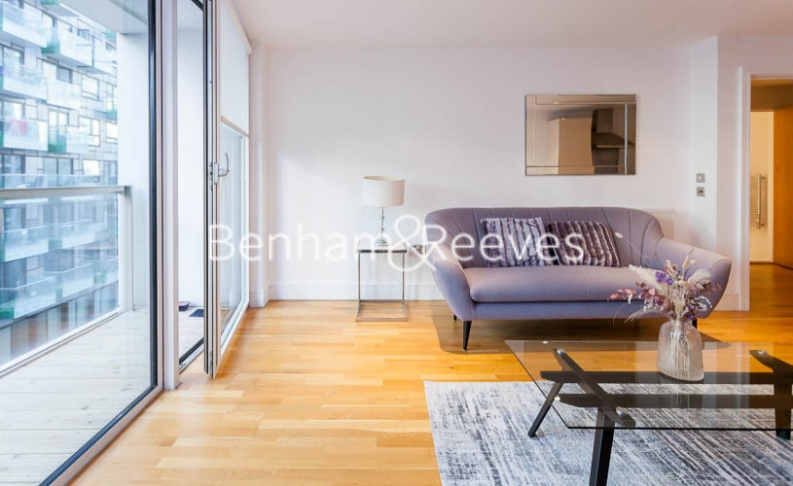 1 bedroom(s) flat to rent in Millharbour, South Quay, E14-image 12