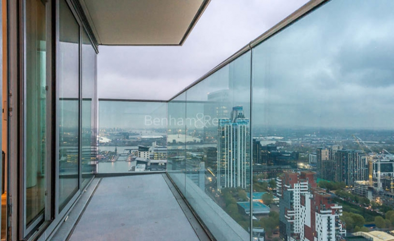 3 bedroom(s) flat to rent in Landmark East Tower, Canary Wharf, E14-image 13