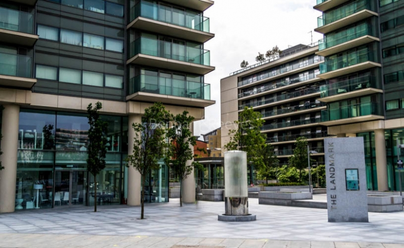 3 bedroom(s) flat to rent in Landmark East Tower, Canary Wharf, E14-image 15