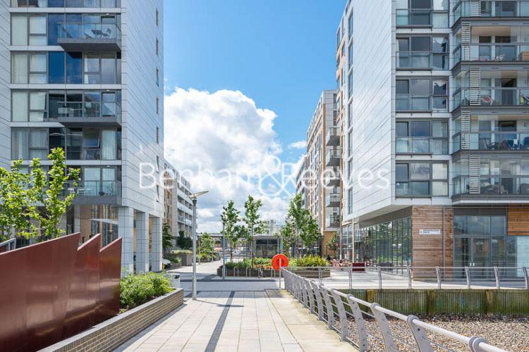 2 bedroom(s) flat to rent in Empire Reach, Dowells Street, SE10-image 9